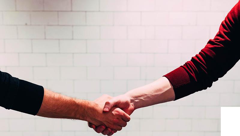 testimonial-bg-handshake